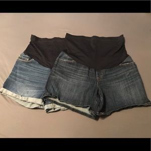 Liz Lange Maternity Shorts 1 M & 1 L